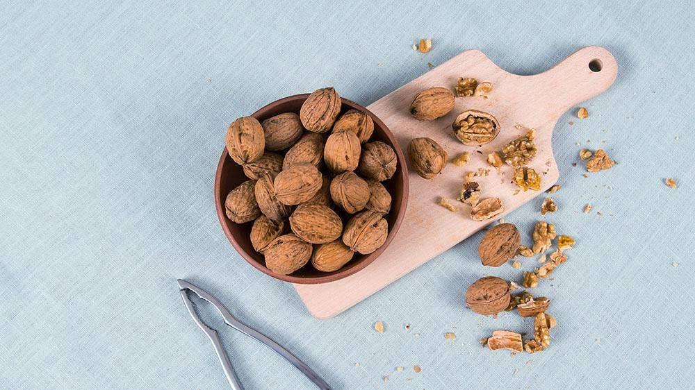 Waarom walnoten gezond zijn? Basboernoten.nl legt uit waarom iedereen walnoten zou moeten eten