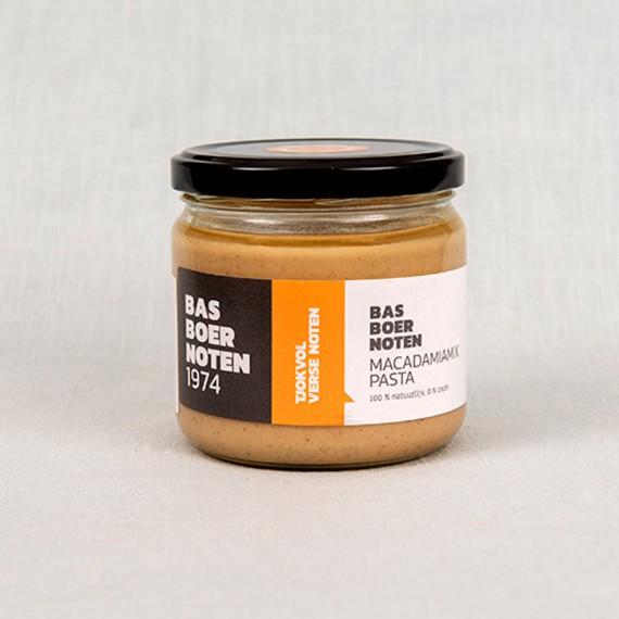 Macadamia mix pasta